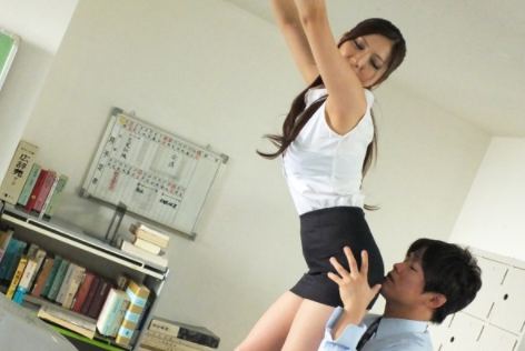 MIAD-632 Uncensored Female Teacher With A Tight Skirt Yuna Shina